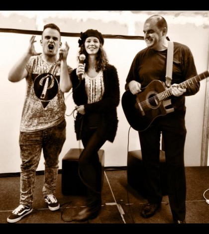 Radio Warwickshire Live Lounge feat Kirsty Lowrie, Cozmo, & Andre Zivanic
